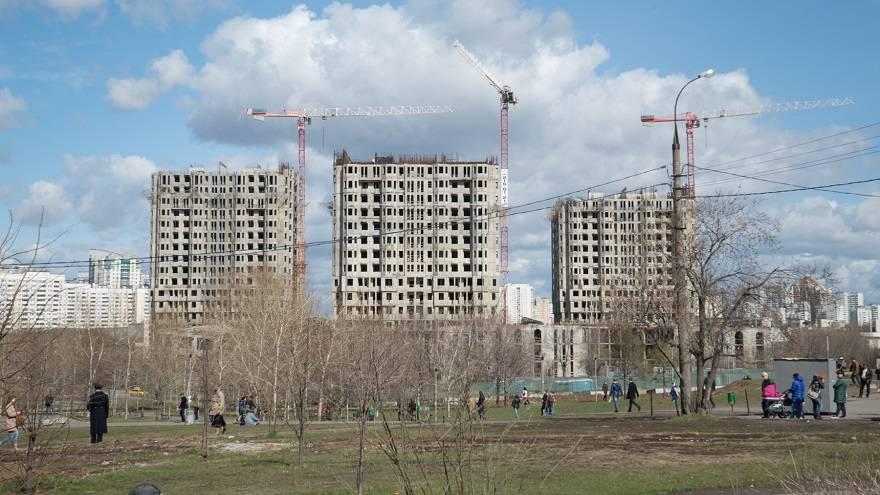 Столичный дайджест марта: долгострои не сдаются, квартиры не продаются, метро в цене