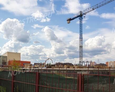 Малоэтажный ЖК «Потапово Lite»: Общий вид на стройплощадку, строительство заморожено, Август 2017