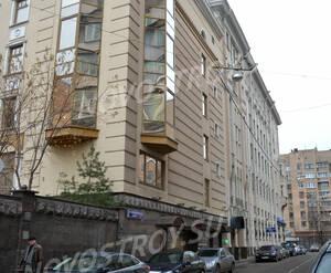 Улица вдоль «Клубного дома на Плющихе» (27.11.12)