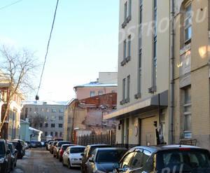 Улица рядом с жилым комплексом «Кадашевские палаты» (05.12.12)