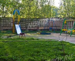 Детская площадка около ЖК «Эко» (12.05.2013 г.)