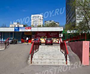 Магазины около  ЖК «Рублёвские огни» (12.05.2013 г.)