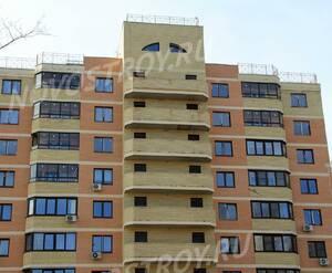ЖК «Никольский квартал»: 13.04.2015 - Фрагмент строящегося корпуса, фасад, верхние этажи