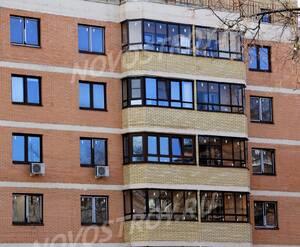 ЖК «Никольский квартал»: 13.04.2015 - Фрагмент строящегося корпуса, фасад, средние этажи