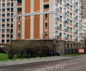 ЖК «Дом на Щукинской»: 25.04.2015 - Фгагмент нижних этажей