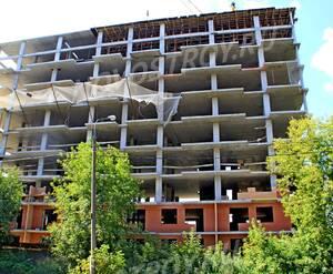ЖК «в 1-м Текстильном переулке, 5»: 08.08.2015 - Строящийся корпус, вид со стороны 1-го Текстильного пер.