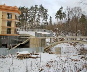 ЖК «Малиновый Ручей»: 16.12.2015 - Пешеходный мостик к новостройке из городского парка