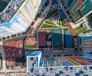 ЖК «Эталон-Сити»: внутренний двор (фото из группы «Вконтакте»)