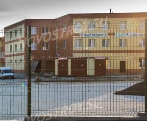Малоэтажный ЖК «Ивановские пруды»: Общий вид и стоянка автомобилей