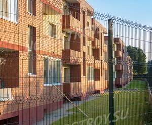 Малоэтажный ЖК «Ивановские пруды»: Территория огорожена забором
