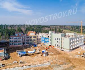 ЖК «Изумрудные холмы»: ход строительства школы и детского сада