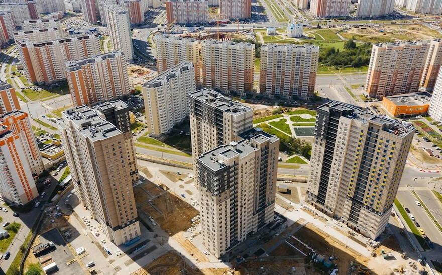 Алчность девелоперов «разрушает» инфраструктуру городов. Эксперты предложили решение проблемы