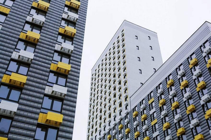 Эксперт: преимущество у первичного жилья пропадет, вся надежда на акции и скидки
