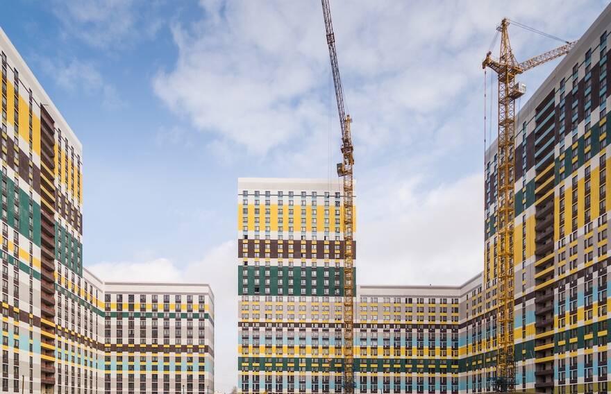 Рынок жилья приходит в баланс: выдачи ипотеки упали на 44%, в 2022-м цены на квартиры наконец снизятся